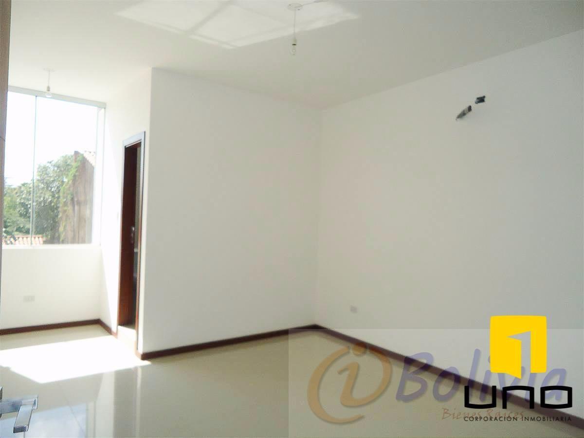 Casa en Venta Av. Banzer 3ro anillo externo Foto 18