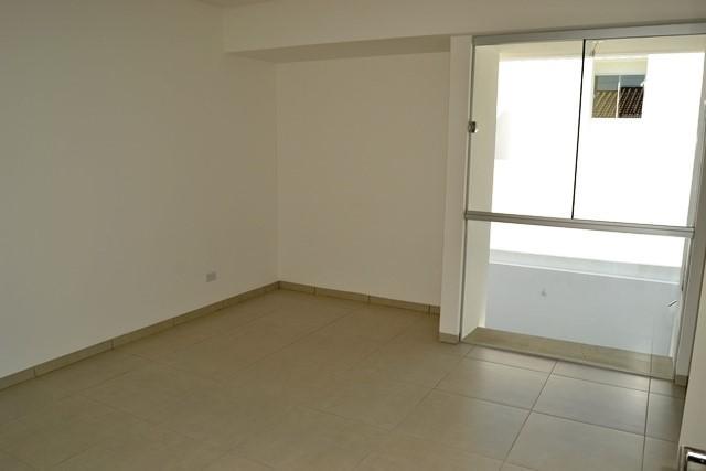 Casa en Venta Zona Norte 5to Anillo En Condominio Cerrado Foto 7