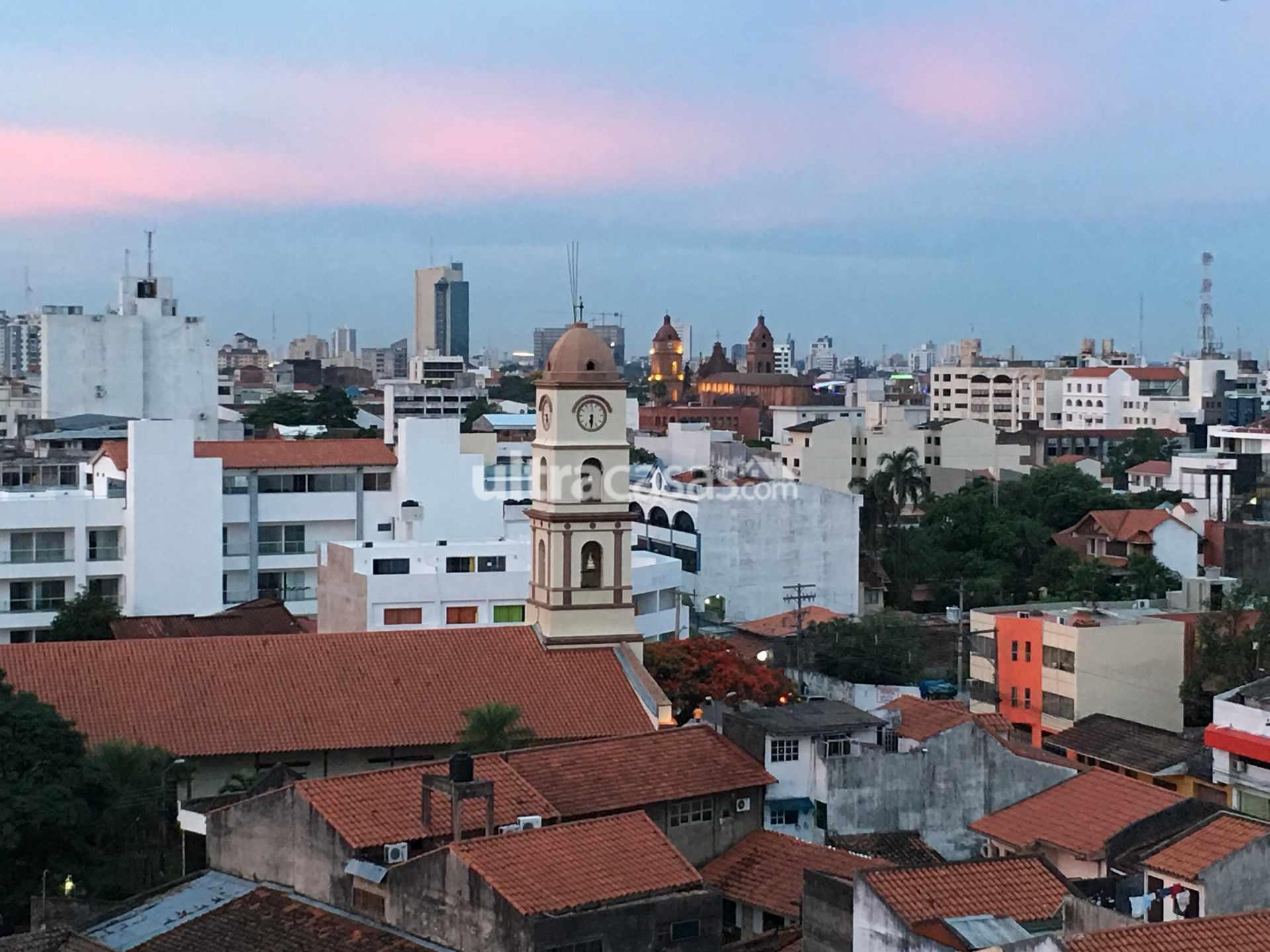 Departamento en Venta Calle Velasco, a una cuadra de la Av. Irala Foto 6