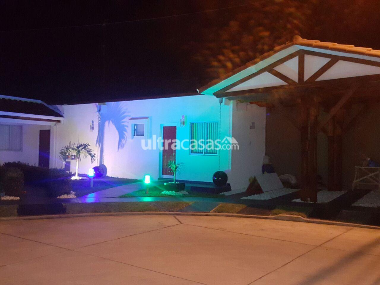 Casa en Venta Av. Banzer km, 10, condominio Sevilla Las Terazas I, calle San Pedro Oeste 24. Foto 24