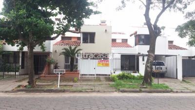 Casa en Venta en Santa Cruz de la Sierra 4to Anillo Sur Barrio Urbari