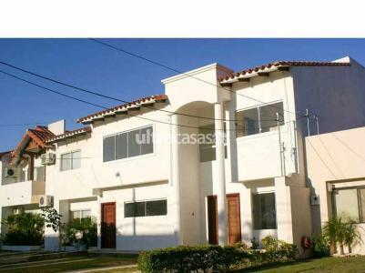 Casa en Venta Av. Banzer km 9 sobre av. condominio Barcelo seguridad 24 horas, club house, piscinas, churrasqueras, parques infantiles y canchas deportivas. Foto 10
