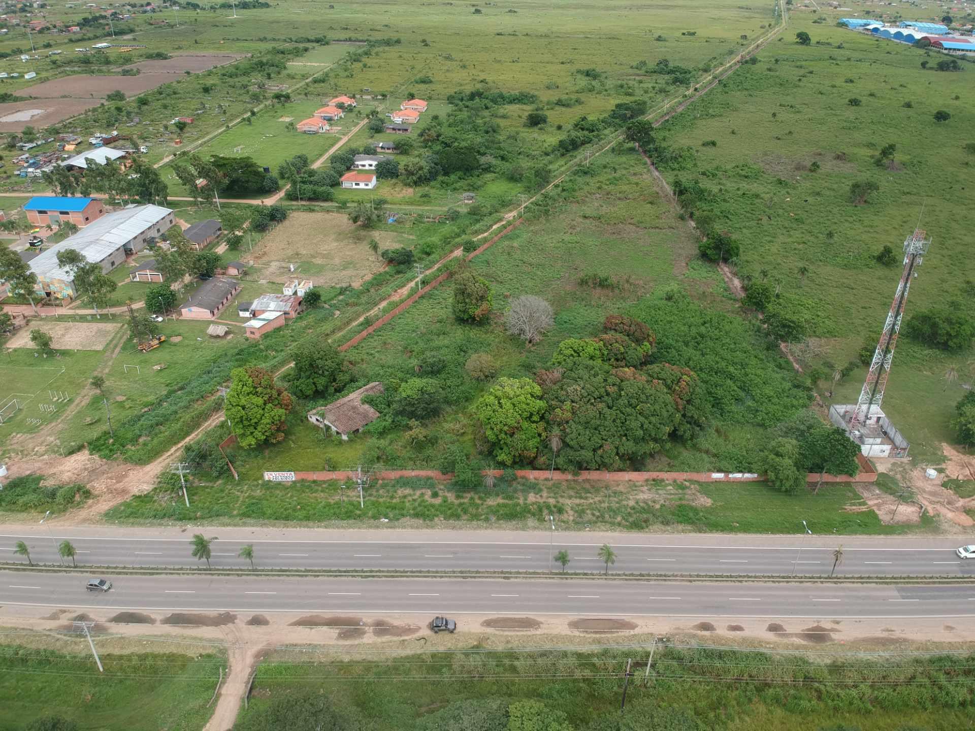 Terreno en Venta SOBRE LA CARRETERA AL NORTE, VENDO TERRENO EN ESQUINA ZONA PARQUE MONUMENTAL Foto 2
