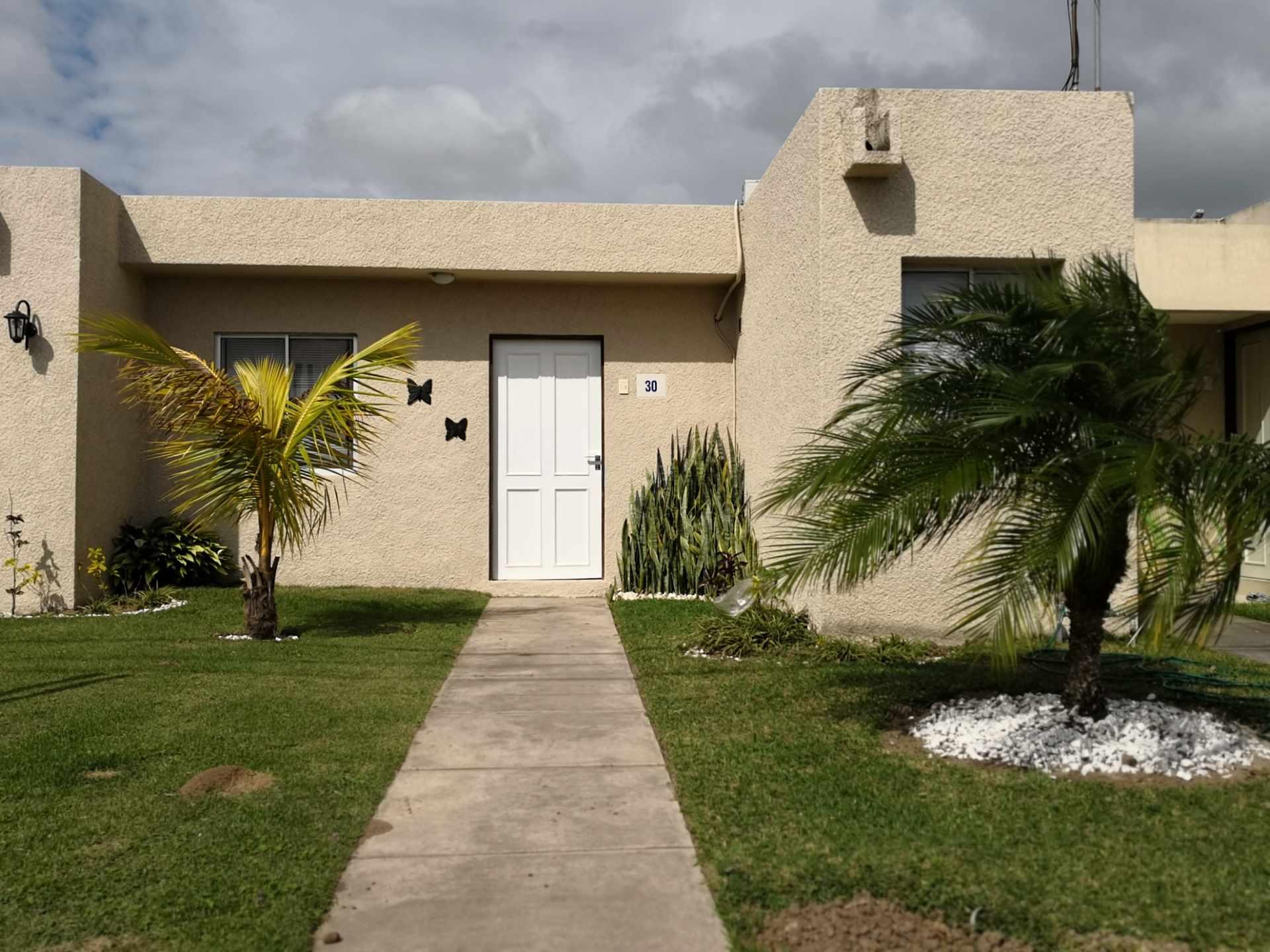 Casa en Alquiler Av. Banzer, km 11 Condominio Sevilla Las Terrazas I Foto 1