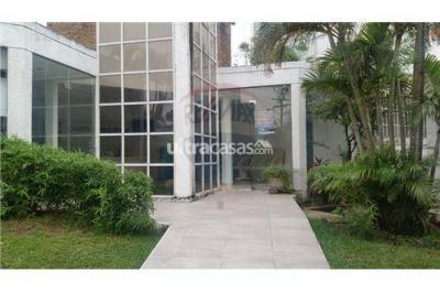 Casa en Alquiler en Santa Cruz de la Sierra 3er Anillo Oeste Barrio Las Palmas