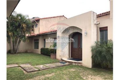 Casa en Alquiler en Santa Cruz de la Sierra 2do Anillo Oeste Av. Pirai entre 4to y 5to anillo