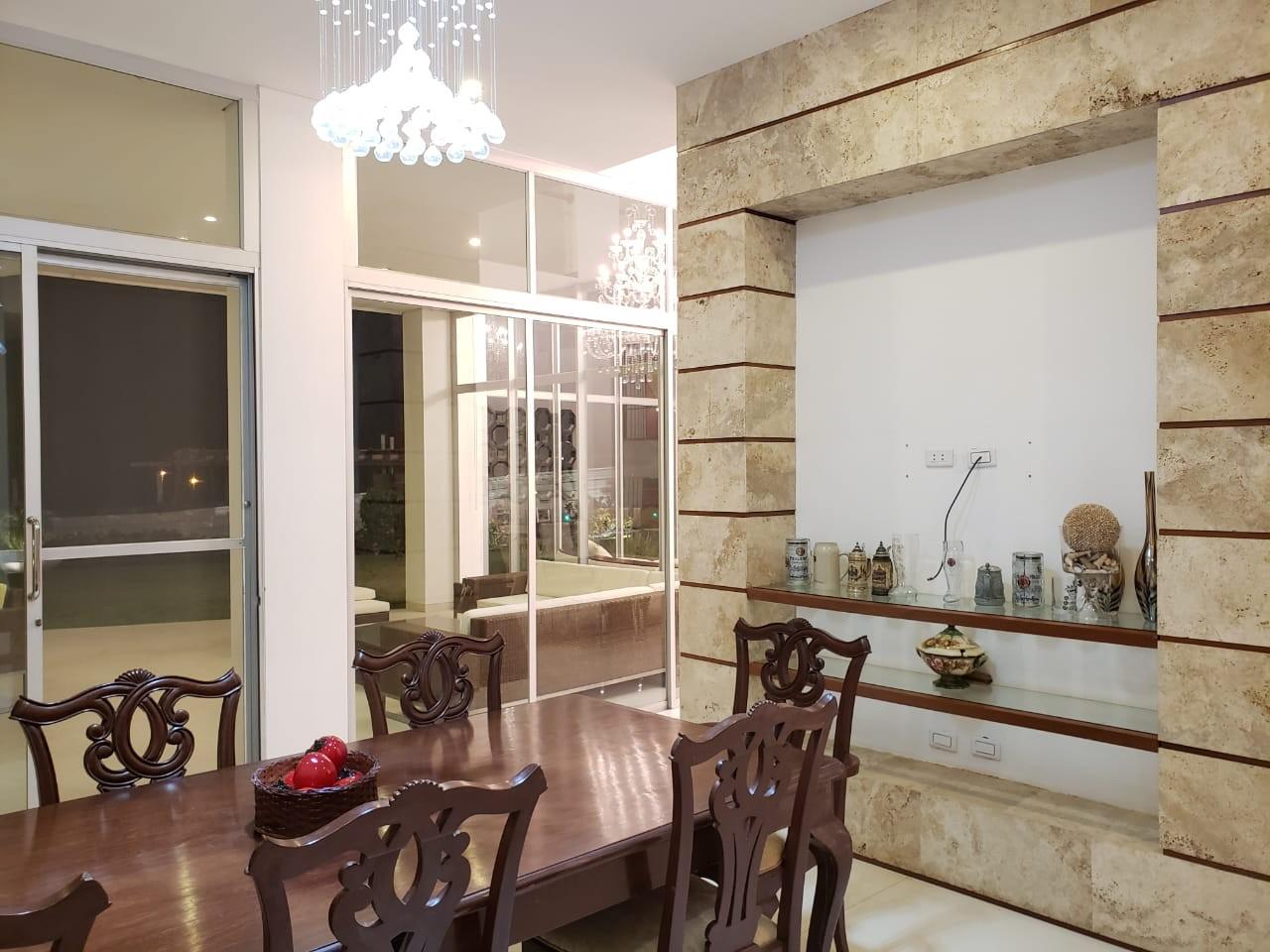 Casa en Venta HERMOSA CASA EN VENTA EN COLINAS DEL URUBO S2 Foto 7