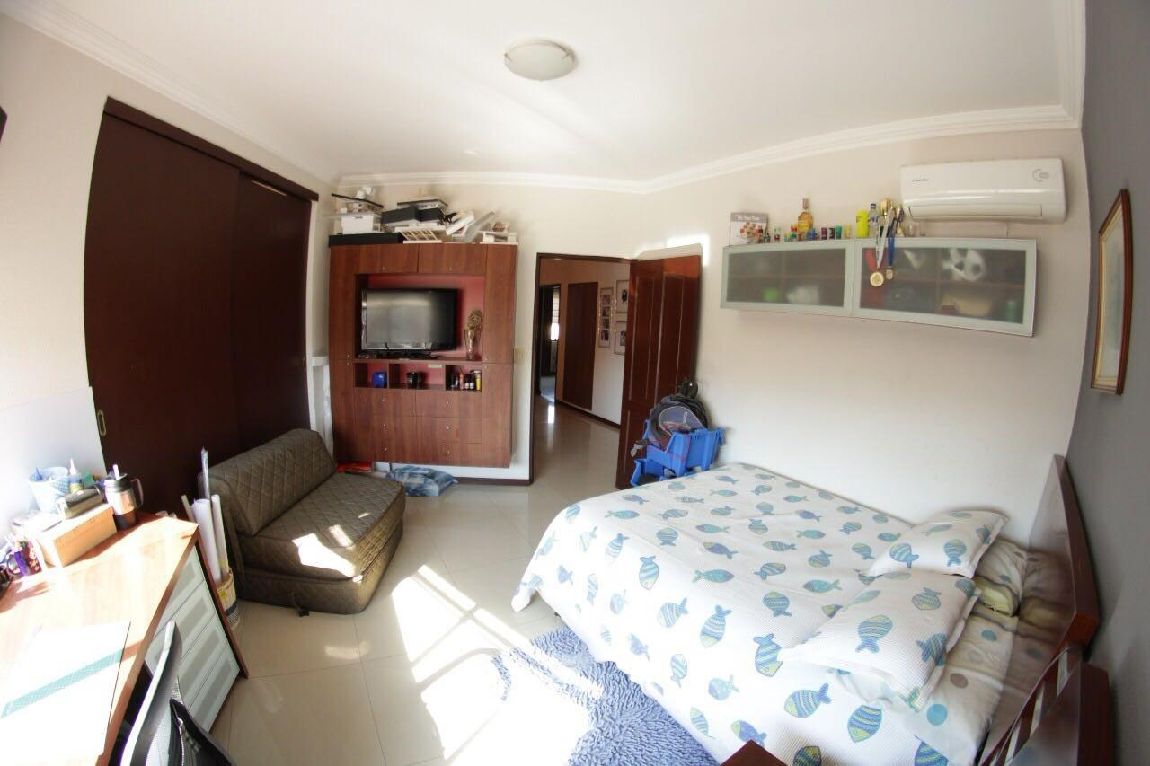 Casa en Venta Av. Banzer entre 7mo. y 8vo. anillo Foto 10