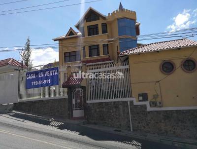 Casa en Venta en La Paz Mallasilla MALLASILLA Av. Altamirano lado gasolinera, CASA + 2 Garzonier's independientes.