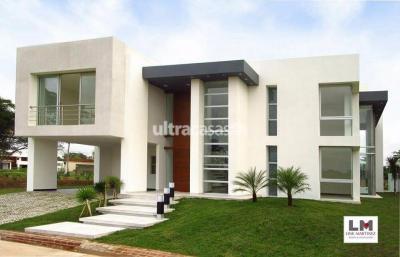 Casa en Alquiler en Santa Cruz de la Sierra 3er Anillo Norte COLINAS DEL URUBO