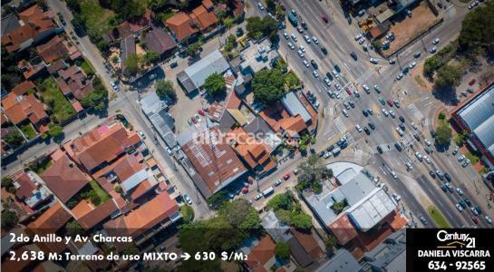 Terreno en Venta Calle Charcas casi 2do Anillo Foto 2