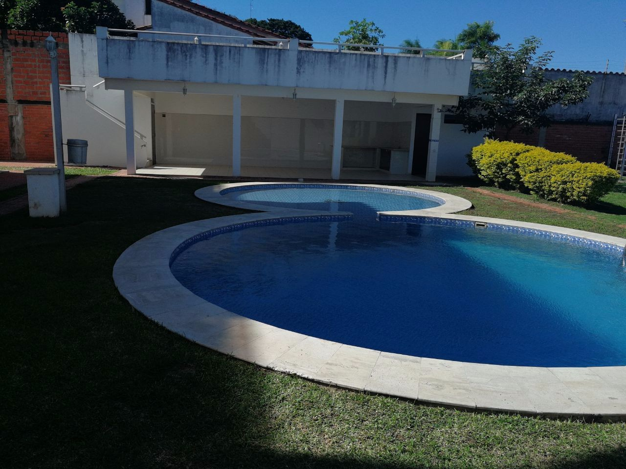 Casa en Alquiler Zona norte; 4to anillo entre av banzer y av. Beni Foto 2