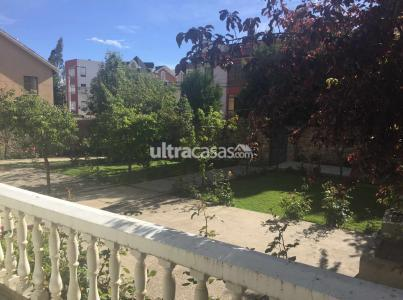 Casa en Venta Bonita casa, amplio jardín con árboles frutales, terreno 540m2 ideal para construcción. Foto 6