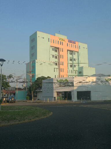 Departamento en Venta Calle 27 de Mayo casi Av. Viedma, frente a TIGO Foto 10