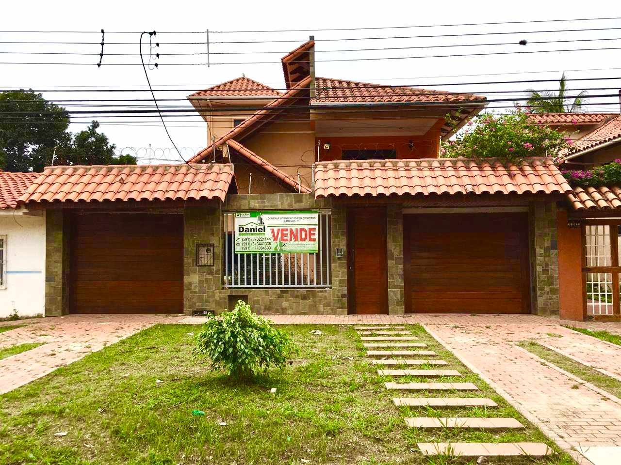 Casa en Venta CASA GRANDE ENTRE 4TO Y 5TO ANILLO RADIAL 27 Foto 1