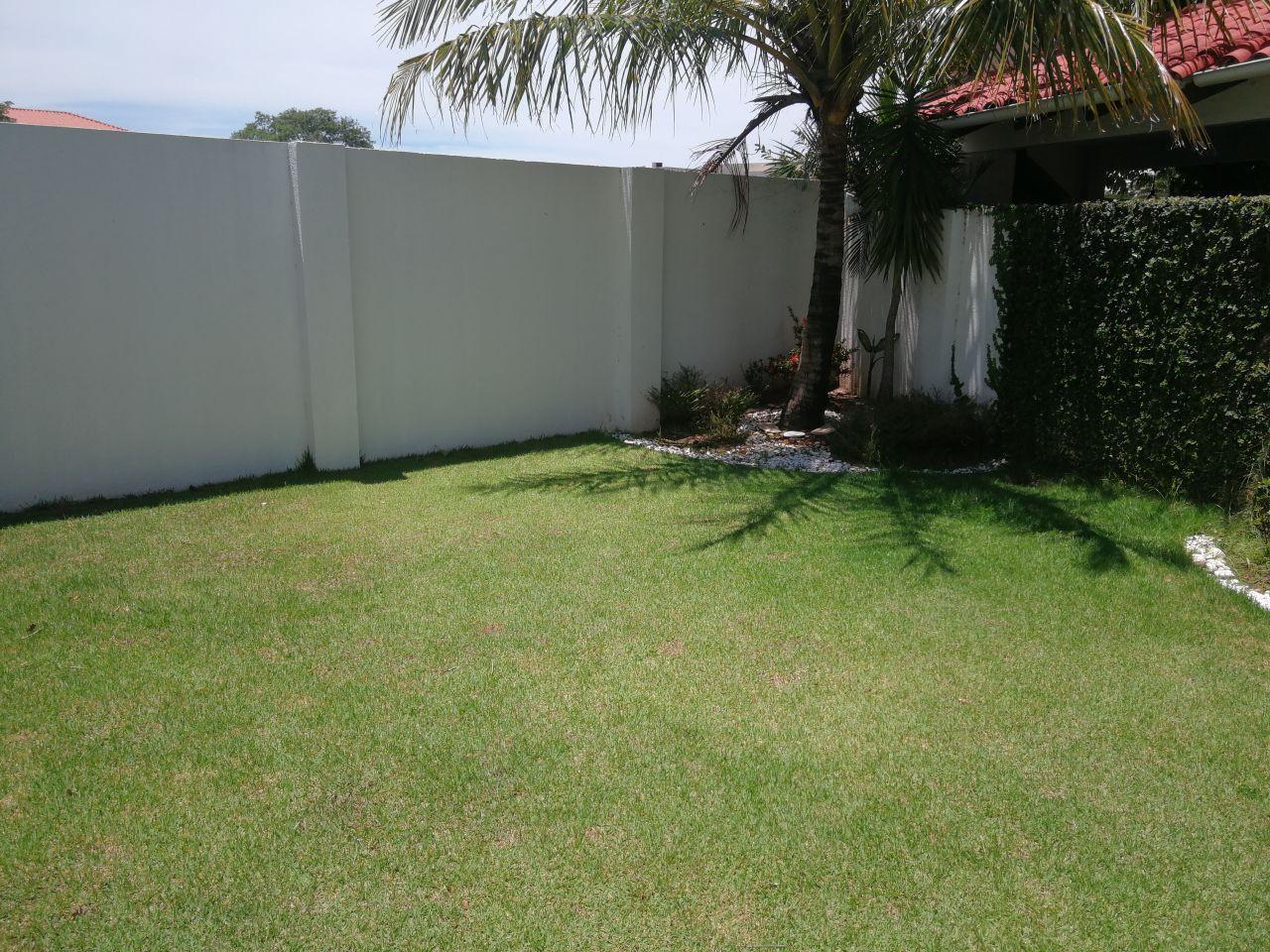 Casa en Alquiler JARDINES DEL URUBO ALQUILO CASA AMOBLADA Y EQUIPADA Foto 9