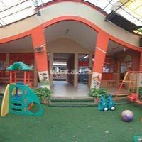 Local comercial en Alquiler en Santa Cruz de la Sierra 2do Anillo Norte Local comercial ideal para guardería o institución educativa
