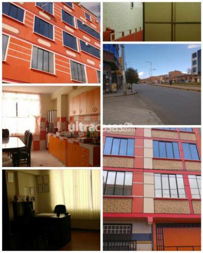 Casa en Venta en La Paz Centro Av Julio Cesar valdes a media cuadra entre Aeropuert y Aduana Central 6 minutos Ceja