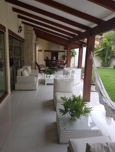 Casa en Alquiler en Santa Cruz de la Sierra 3er Anillo Norte ALQUILO CASA EN EQUIPETROL B/SIRARI PARA VIVIENDA O EMPRESAS