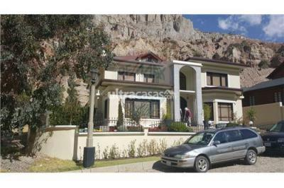 Casa en Venta en La Paz Aranjuez