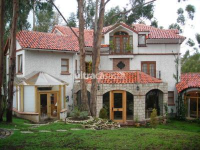Casa en Alquiler en La Paz Obrajes URBANIZACION SAN ALBERTO - SAN ALBERTO.