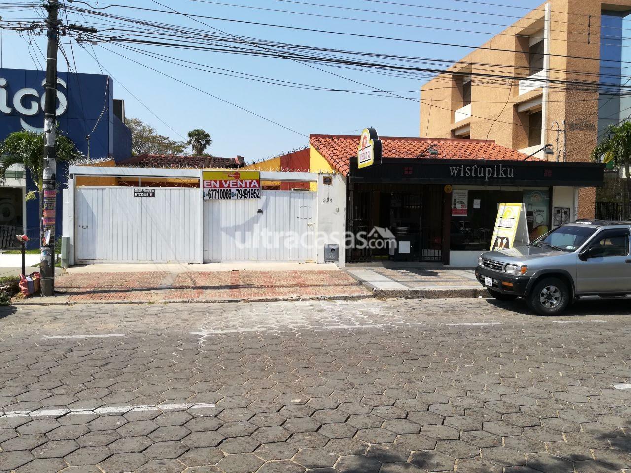 Casa en Venta Sobre la Avenida Pirai entre 2do. y 3er anillo No. 278 Foto 1