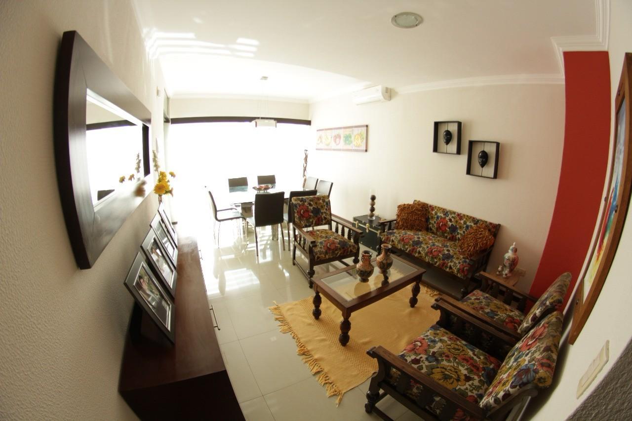 Casa en Venta Av. Banzer entre 7mo. y 8vo. anillo Foto 5