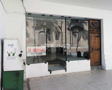 Local comercial en Alquiler Calle René Moreno no. 56, entre calles Sucre y Ballivián. A media cuadra de la Plaza Principal - 24 de Septiembre. Foto 8