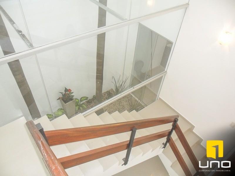 Casa en Alquiler Zona Urubo, dentro de exclusivo condominio Foto 8