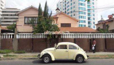 Casa en Venta en Cochabamba Queru Queru Capriles entre Villarroel y Santa Cruz