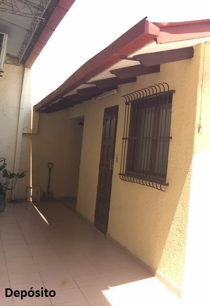 Casa en Venta Calle 5, a media cuadra de la Av. San Aurelio, entre segundo y tercer anillo Foto 3