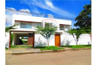 Casa en Alquiler en Santa Cruz de la Sierra 3er Anillo Oeste Barrio Las Palmas, Av. Iberica Calle 7