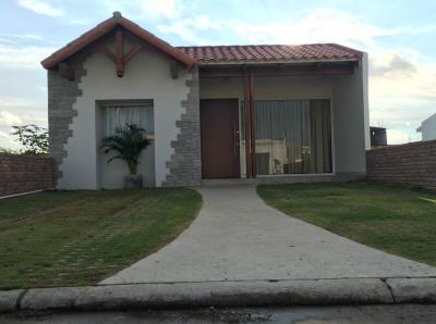 Casa en Venta Hermosa Casa en venta en Zona norte, Km14 - Urbanizacion cerrada