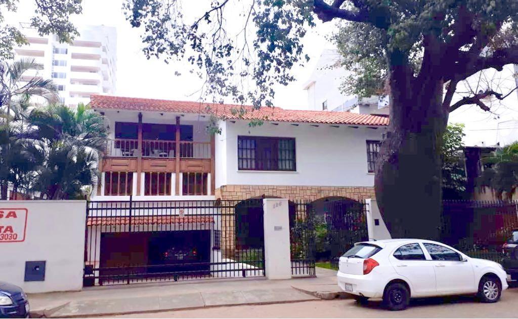 Casa en Venta CENTRO DE LA CIUDAD CASCO VIEJO CALLE SAVEDRA A POCAS CUADRAS DE LA PLAZA PRINCIPAL Foto 4