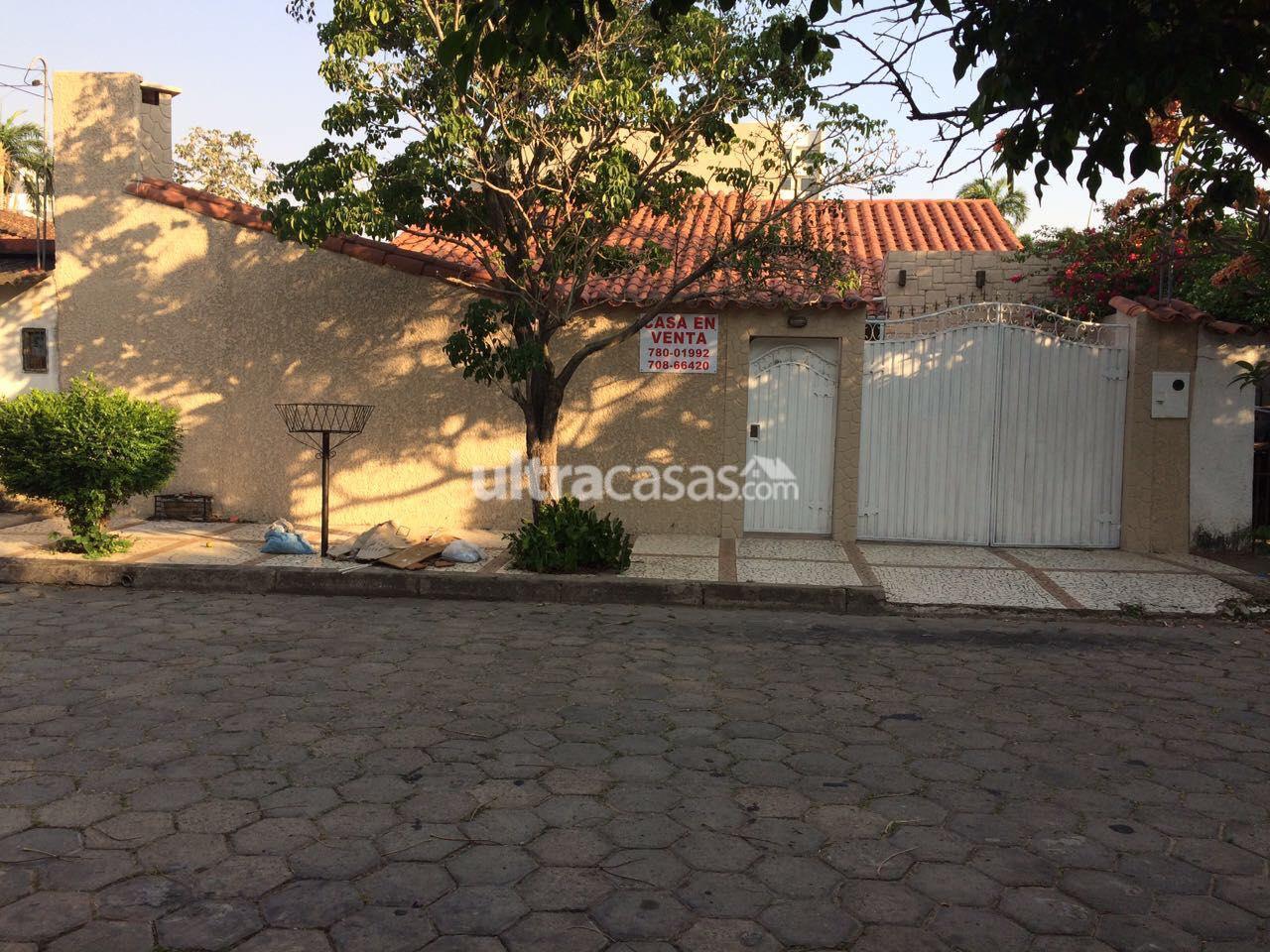 Casa en Venta BARRIO URBARI CASA EN VENTA Foto 1