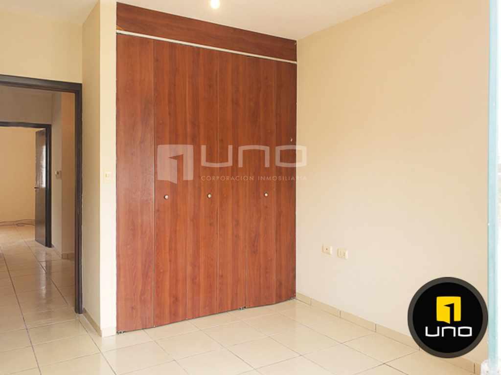 Casa en Alquiler CÓMODA Y ACOGEDORA CASA INDEPENDIENTE DE 2 PLANTAS ZONA NORTE (AV. BANZER) ENTRE 7MO Y 8VO ANILLO Foto 12
